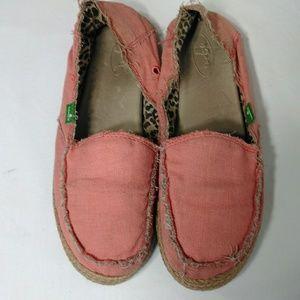 Sanuk slider slip on flats. Pink/coral size 8